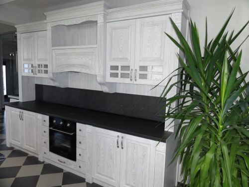 "Кухня масив ясен, модел ""Роял"""