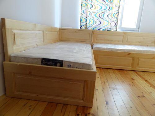 Легло с висока странична табла с чекмеджета чам