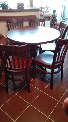 Маса Марион ф90(120)/75, стол Кайро с дървени седалки
