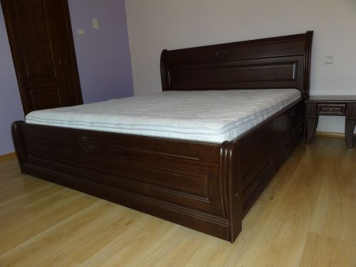 """Спалня масив бук модел """"Венера с чекмеджета"""""""