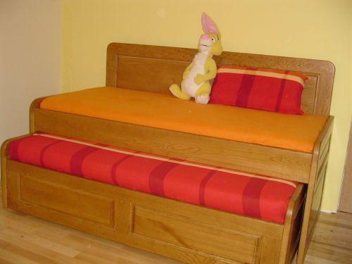 Легло с висока странична табла ясен