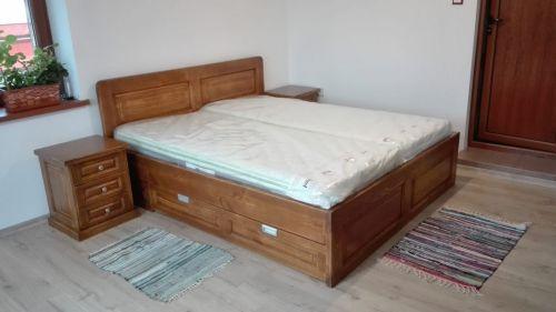 "Спалня масив чам модел ""Класик с права табла и чекмеджета"""